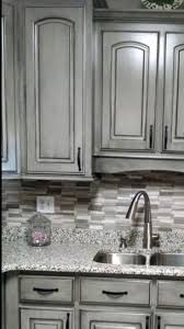Paint Amp Glaze Kitchen Cabinets by Best 25 Gray Stained Cabinets Ideas On Pinterest Kitchen