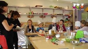 cours cuisine enfant cours de cuisine adultes et enfants les crocochefs au jardin d