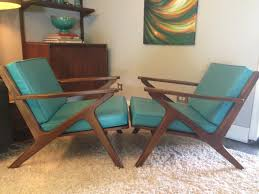 Style Chairs Bassett Z Style Chairs Turquoise Cushion Great Shape