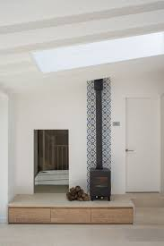 Fireplace Wall Tile by Best 25 Wallpaper Fireplace Ideas On Pinterest Grey Feature