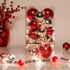 Christmas Decorations For The Dining Table by Best 25 Christmas Centerpieces Ideas On Pinterest Holiday