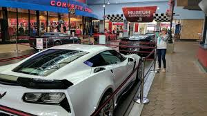 where is the national corvette museum located national corvette museum florida road trip 17
