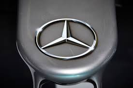 car mercedes logo mercedes benz will take on rivals bmw and audi in formula e