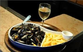 cuisiner des moules au vin blanc quel vin avec des moules vinizos