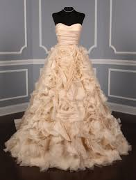 monique lhuillier waltz discount designer wedding dress
