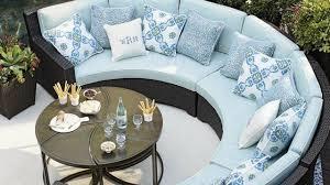 canape resine exterieur decoration canapé extérieur demi cercle résine tressée bleu