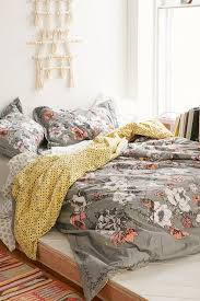best 25 coral bedspread ideas on pinterest coral and grey