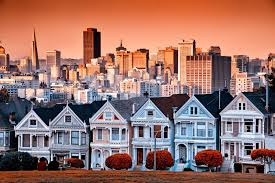 Victorian House San Francisco by Victorian Homes On Steiner Street And The San Francisco Skyline