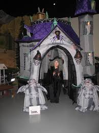 Halloween Inflatables Haunted House by Trunk Or Treat And Halloween Vehicle Exhibit At The Aaca Museum