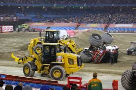 monster truck show january 2015 monsterjam is coming to toronto january 17 18 at the rogers centre