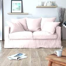 gros canapé canape gros coussins un salon avec canapac gris tapis coussin vert
