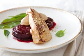 cuisiner du foie recette de foie gras poêlé betterave au cassis et poivre blanc de