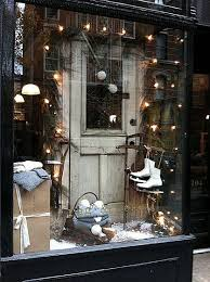 Christmas Window Decorations New York by Best 25 Christmas Store Displays Ideas On Pinterest Christmas