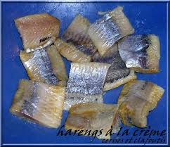 cuisiner des harengs frais harengs doux a la creme recette polonaise cerises et clafoutis