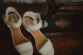 wedding shoes hamilton zion springs wedding photos hamilton va photographer marissa