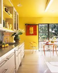 peinture cuisine jaune grande cuisine jaune cuisine cuisine jaune jaune et