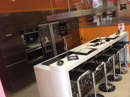 cuisines rangements bains modele de cuisine avec ilot central 13 schmidt pontault combault