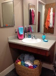 Dorm Bathroom Decorating Ideas Colors Dorm Bathroom Ideas Home Planning Ideas 2017