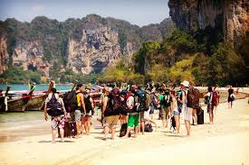 is it safe to travel to thailand images What 39 s it like being a solo traveler in thailand uvolunteer jpg