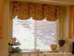 floral patttern of stright valance in modern kitchen on window