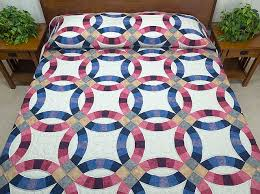 wedding ring quilt wedding ring quilt gorgeous cleverly made amish quilts