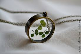 resin necklace pendants images Round pendant frames resin jewelry with clover saint patricks day jpg