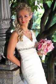 wedding dresses that you look slimmer 7 wedding dresses that ll you look slimmer ebay
