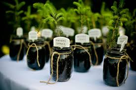 wedding gifts for guests fabulous wedding favors for eco friendly couples our organic wedding