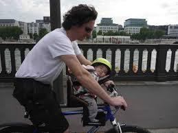 vélo avec siège bébé emmener bébé en vélo en toute sécurité velopuissance
