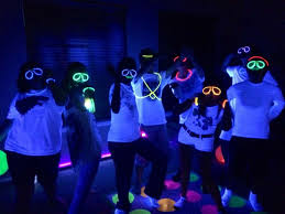 neon party party themes neon party glow in the party ideas