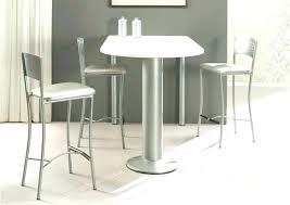 table cuisine avec tabouret table cuisine avec rangement table cuisine haute table bar table