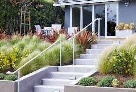Retaining Wall Landscaping Ideas Garden Landscaping Ideas For Borders And Edges