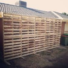 How To Make A Shed Out Of Wood Pallets by Best 25 Pallet Wedding Ideas On Pinterest Rustic Wedding