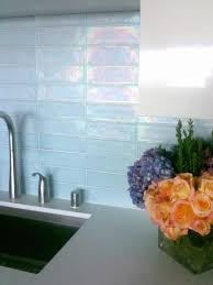 add unique style using glass tiles for kitchen backsplashes