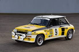 renault 5 rally renault racing 28 images renault sport rs 01 makes track debut
