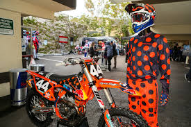 design your own motocross helmet first look 2018 troy lee designs gear and helmet line motocross