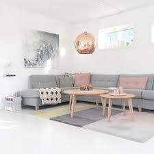 hellgraues sofa kupfer lenschirm wohnzimmer ideen bilder design pendelleuchte
