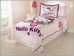 decoration chambre hello décorez la chambre de votre fille avec hello thème