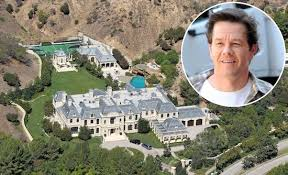Backyard Golf Course by Lifestyles Of The Rich And Famous Meanwhile In Mark Wahlberg U0027s