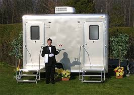 wedding porta potty my wedding is outdoors but what about the bathrooms gotügo