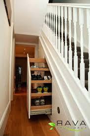 treppen kaufen regale unter treppen marcusredden