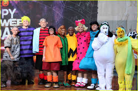 today show u0027 hosts wear spot on peanuts halloween costumes photo