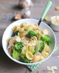 cuisiner les brocolis pâtes aux brocolis et aux amandes