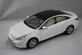 hyundai sonata 1 1 18 hyundai sonata white diecast car model livecarmodel com