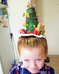 single dad creates elaborate christmas hairstyles for daughter