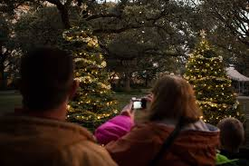 san antonio tree lighting 2017 travis park archives rivard report