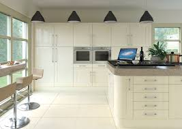 modern shaker kitchens shaker gloss cream