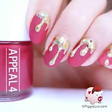 piggieluv golden christmas drips nail art