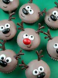 Christmas Cake Decorations Shop by Best 25 Fondant Christmas Cake Ideas On Pinterest Christmas