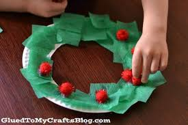 Christmas Crepe Paper Decorations by Paper Plate Christmas Wreath Kid Craft